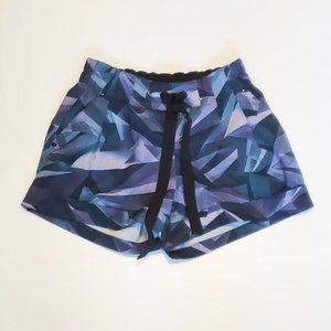 Size 2 - Lululemon Spring Break Away Short 3""